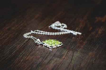 jewellery-1633124_1920.jpg